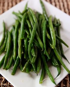 The Best Green Beans - so simple and delicious! Thanks to @melskitchencafe for sharing.