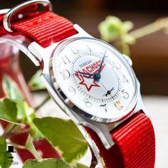 """Pobeda """"Glastnost"""" russian watch. Red and pretty."""