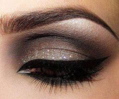 Sparkly Taupe Eye