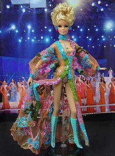 OOAK barbie pageant dolls by NiniMomo Creations Beautiful Barbie Dolls, Vintage Barbie Dolls, Pretty Dolls, Miss Arizona, Miss Pageant, Barbie Bridal, Barbie Miss, Bride Dolls, Barbie Princess