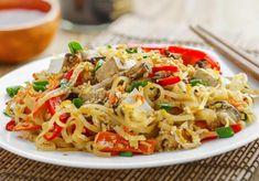 Pad Thai - Streetfood wie in Bangkok Pad Thai Sauce, Pad Thai Nudeln, Bangkok Thai, Dinner, Ethnic Recipes, Kitchen, Stir Fry Noodles, Curry Paste, Meatball
