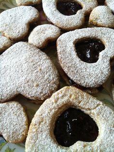 galletas de nuéz con relleno de zarzamora I pastelería artesanal