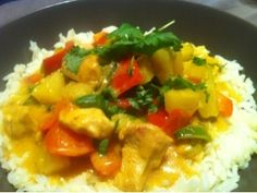 Hjemmelaget Bali kyllinggryte Thai Red Curry, Ethnic Recipes, Food, Essen, Meals, Yemek, Eten