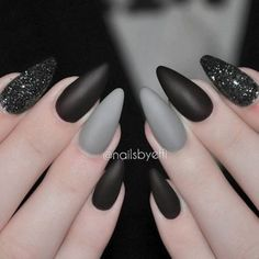 "If you're unfamiliar with nail trends and you hear the words ""coffin nails,"" what comes to mind? It's not nails with coffins drawn on them. It's long nails with a square tip, and the look has. Gorgeous Nails, Love Nails, Fun Nails, Gradient Nails, Holographic Nails, Glitter Nails, Matte Stiletto Nails, Acrylic Nails Almond Matte, Grey Matte Nails"
