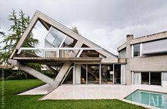 Дом в Версале, 290 м² | Интерьеры в журнале AD | AD Magazine http://www.admagazine.ru/inter/58147_dom-v-versale-290-m.php