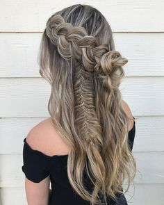 Best Boho Hairstyle Ideas For Curly And Straight Hair, Hairstyle plays an essential role in a wedding for the bride Simply speaking, crochet hairstyle is among the very best protective hairstyle that assi… - Crochet Hair Styles Cool Braid Hairstyles, Bohemian Hairstyles, African Hairstyles, Straight Hairstyles, Hairstyle Ideas, Bun Hairstyle, Beautiful Hairstyles, Hairdos, Updos