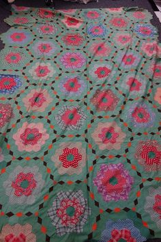 "1930's Quilt Top Old Fashioned Flower Garden 66x93 Art Deco Diamonds VG Striking | eBay seller brokerboy; 66"" x 93""; blocks are about 9.5""; hand stitched"