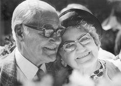 old couple happy - Buscar con Google