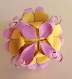 ADOBRACIA: Kusudama Cho Cho (Borboleta) (Com Diagrama) Criação: Tomoko Fuse Livro: Unite Origami Fantasy