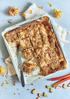 Tray Bake Recipes, Baking Recipes, Bakewell Tart, Tray Bakes, Cupcake Cakes, Cupcakes, Banana Bread, Sweet Treats, Goodies