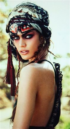 Definately using this Head Wrap & make up for Cinder & Bella's next Photo shoot!!!