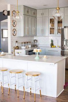 Gorgeous DIY kitchen using RTA (ready-to-assemble) cabinets! Farmhouse Kitchens Gorgeous DIY kitchen using RTA (ready-to-assemble) cabinets! Home Decor Kitchen, Kitchen Dining, Diy Home Decor, Kitchen Ideas, Kitchen White, Decorating Kitchen, Kitchen Small, Gold Kitchen, Rustic Kitchen