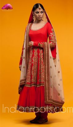 Anarkali is fashioned out of silk matka, raw silk and tulle with thread work detail. It comes with a Chanderi dupatta with Zardozi detail by Sabyasachi on Indianroots.com