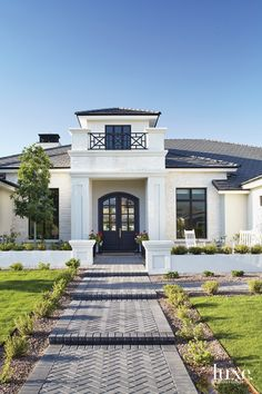 Global-Inspired Finds Play Up A Modern Boho Vibe Mediterranean Homes Exterior, Mediterranean Decor, Tropical Architecture, Mediterranean Architecture, Interior Architecture, Caribbean Homes, Stucco Homes, Indoor Outdoor Living, Farmhouse Landscaping