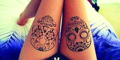 Las calaveras de azúcar no son exclusivas del día de muertos, sino que se han convertido en un diseño increíble para tatuarse, que seguro te encantarán. ¡Mira y descúbrelo por ti misma!