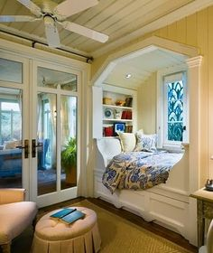 Have always wanted my bed in a little nook...always..