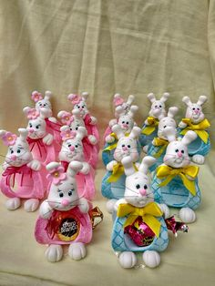 Easter Bunny, Easter Eggs, Pasta Flexible, Easter Treats, Chocolates, Biscuits, Polymer Clay, Projects To Try, Christmas
