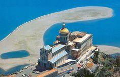 Villaggi, case vacanze, b&b Sicilia: tours e travel con Check Sicily | TINDARI E LA SUA MADONNA NERA (Messina)