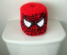 Crocheted Spiderman Toilet Roll Cover - for toilet training. Crochet Craft Fair, Crochet Decoration, Crochet Home Decor, Crochet Gifts, Crochet Projects, Crochet Towel, Crochet Dishcloths, Toilet Roll Holder Crochet, Toilet Paper Origami