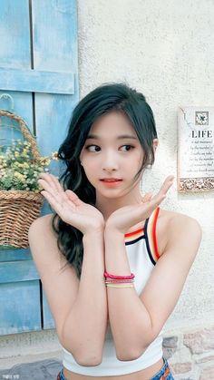Cute Korean Girl, Cute Asian Girls, Cute Girls, Kpop Girl Groups, Korean Girl Groups, Kpop Girls, Korean Beauty, Asian Beauty, Tzuyu Body