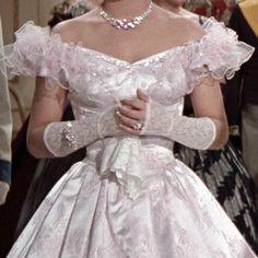 your small princess Pretty Dresses, Beautiful Dresses, Photographie Portrait Inspiration, Mode Chanel, Fairytale Dress, Princess Aesthetic, Queen Aesthetic, Fancy, Fantasy Dress