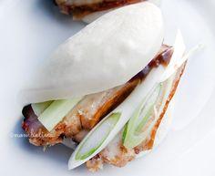 Dit keer buikspek op een andere manier. Namelijk Momofuku style in een gestoomd lotusbroodje. Heerlijke snack, bijgerecht of voorgerechtje!