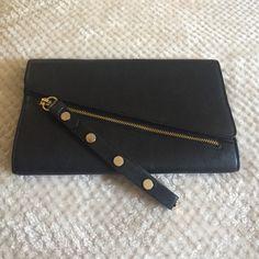 Aldo Envelope clutch!  Black Aldo envelope clutch. Gently used! Zipper detail in front. ALDO Bags Clutches & Wristlets