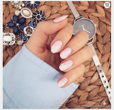 Painted trend: the naked manicure will sublimate your spring & summer 2016 The post Painted trend: the naked manicure will sublimate your spring & summer 2016 appeared first on All Photos Hande Akılsepeti. Teal Nails, Rose Nails, French Polish, Best Homemade Dog Food, Simple Colors, Nail Tutorials, Mode Inspiration, Manicure And Pedicure, Makeup Art