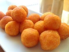 Potato Balls Recipe Its a delicious appetizer served with mint, cilantro, tamarind or coconut chutney. Potato Balls Recipe, Fried Potatoes Recipe, Potato Recipes, Vegetable Recipes, Aloo Recipes, Yummy Appetizers, Appetizer Recipes, Snack Recipes, Asian Snacks