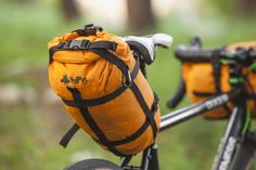We tested bikepacking bags made by outdoor and waterproof gear brand hPa. Lightweight, rainproof and unexpensive, they can be a good alternative if you are willing to get into cycling adventure. Bike Saddle Bags, Bike Bag, Bikepacking Bags, Bicycle Rack, Trekking Gear, Bike Accessories, Outdoor Life, Airsoft, Bag Making