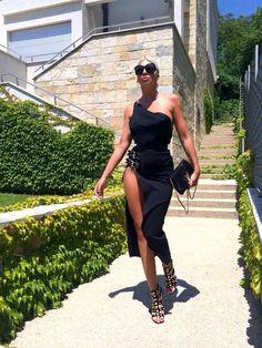 Moda Sukienki Dzienne discovered by EsY on We Heart It Dope Fashion, Fashion Beauty, Fashion Outfits, Womens Fashion, High Fashion, Classy Casual, Urban Chic, Milena, Wearing Black