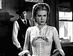 High Noon - Gary Cooper and Grace Kelly Fred Zinnemann, Lloyd Bridges, Gary Cooper, High Noon, Old Tv, Grace Kelly, Good Movies, Movie Tv, How To Memorize Things