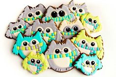 Simple Owl Cookies-In Winter Colors http://thebearfootbaker.com/2012/08/owl-cookies/
