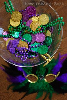 Mardis Gras tablescape | Home is Where the Boat Is