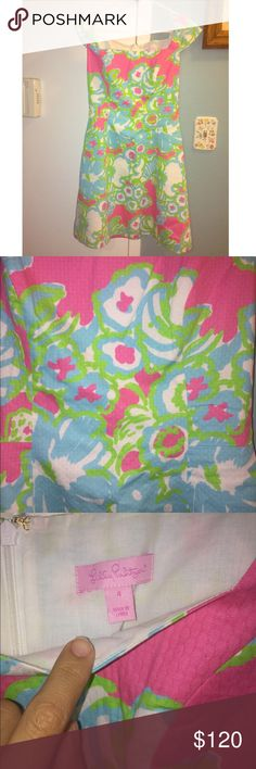 Lilly Pulitzer Summer Dress Only been worn once. Beautiful dress and true to size. Lilly Pulitzer Dresses Midi