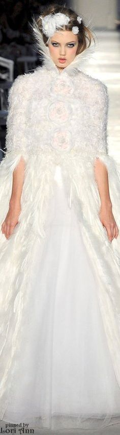 ❄ A MidWinter's Night's Dream ❄... Chanel Couture Fall 2012 #snow queen... By Artist Unknown...