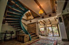 Fabrika de Case - Cuibul de la mare / #StairCase #RusticStyle #Corbu #Romania