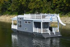 Many people consider a tiny house big living. Tiny houses have smaller sized everything. They have smaller appliances, smaller living. Houseboat Rentals, Houseboat Living, Houseboat Ideas, Pontoon Houseboat, Floating House, Floating In Water, Tiny Build, Small Houseboats, Tiny Boat