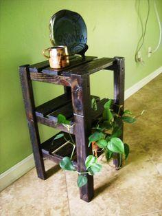 Wood Platform Bed with Tables | Pallet Furniture DIY