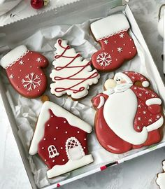 christmas cookies gingerbread Weihnachtspltzchen 2019 Cute and Beauty Christmas Biscuits Ideas - Page 3 of 4 - Vida Joven Cute Christmas Cookies, Christmas Biscuits, Iced Cookies, Cute Cookies, Christmas Sweets, Noel Christmas, Holiday Cookies, Cupcake Cookies, Holiday Baking