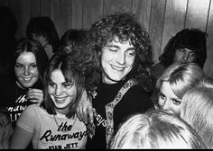 Robert Plant with the Runnaways!!