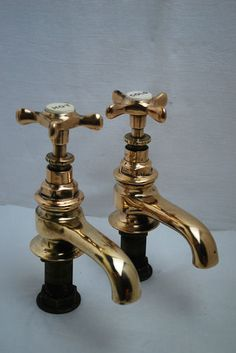 BATH TAPS LARGE VICTORIAN ANTIQUE BRASS TAPS RECLAIMED & REFURBED READY TO FIT | eBay