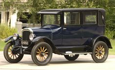 1925 Star Sedan - The Star was made by Durant Motors Company between 1922 and 1928 as a competitor to Ford's Model T. Stars had 4 cylinder engines until a 6 cylinder was added in 1926. In 1923 Star became the first automobile to offer a factory station wagon model.