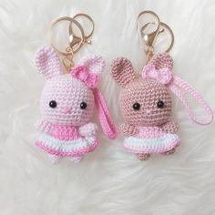 Knitting TechniquesKnitting For KidsCrochet Hair StylesCrochet Amigurumi Kawaii Crochet, Crochet Bunny, Crochet Animals, Crochet Flowers, Free Crochet, Knit Crochet, Crochet Keychain Pattern, Crochet Patterns Amigurumi, Crochet Dolls
