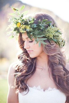 Bride's long curls down hairstyle with flower crown bridal hair ideas Toni Kami ⊱✿⊰ Flowers in her hair ⊱✿⊰ corona halo Flower Crown Wedding, Wedding Hair Flowers, Bridal Flowers, Flowers In Hair, Flower Crowns, Wedding Crowns, Bridal Crown, Yellow Flowers, Wedding Bride