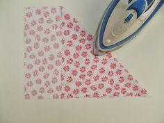 la inglesita: Cómo cortar kilómetros de cinta al bies Bias Tape, Lace Flowers, Sewing Hacks, Sewing Tips, Patches, Crochet, How To Make, Tutorials, Scrub Hats