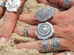 Summer Jewelry Silver Sea Shell Ring Nautical por HappyGoLicky