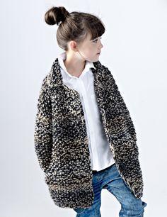 Sweter TUCKING       Gruby, mięsisty, bardzo ciepłypłaszcz robiony ręcznie…