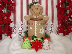 Felt Gingerbread Candy and Cookie Holder by simplysweetgifts Gingerbread Christmas Decor, Wall Christmas Tree, Gingerbread Ornaments, Christmas Favors, Christmas Ornaments To Make, Christmas Time, Christmas Stockings, Christmas Decorations, Holiday