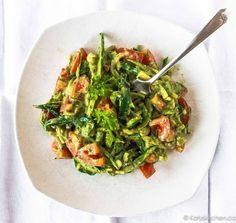 Los sabores mejoran cuando se deja en el refrigerador un rato, haciendo esta receta especialmente perfecta para el almuerzo en el trabajo.
